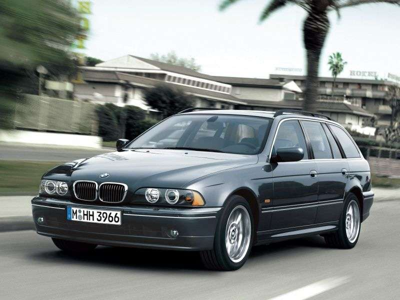 BMW 5 Series E39 [restyling] Touring wagon 530i AT (2000–2004)