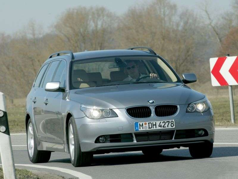 BMW 5 Series E60 / E61Touring Wagon 550i MT (2005–2007)
