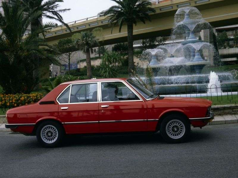 BMW 5 Series E12 [restyling] 528 AT Sedan (1976–1977)
