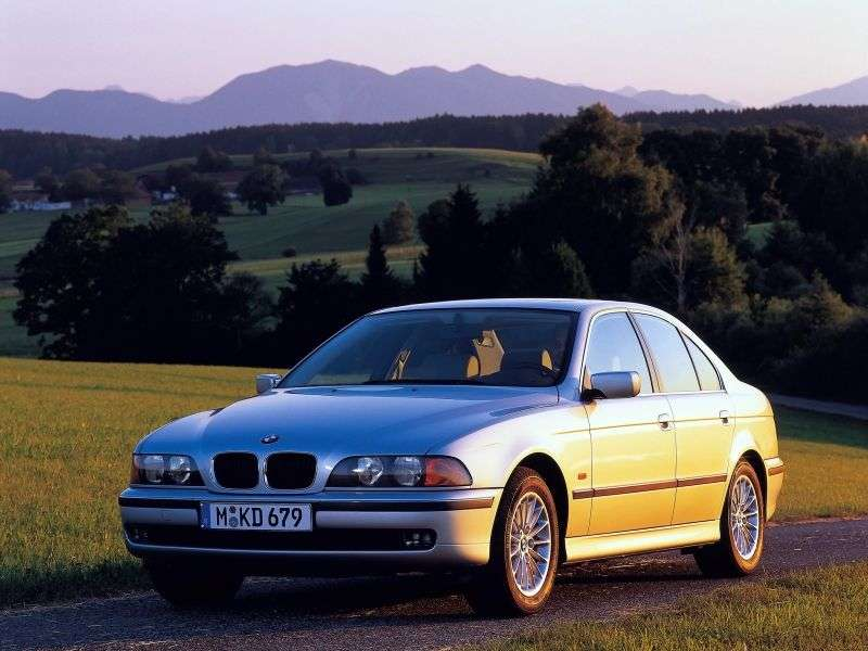 BMW 5 Series E39sedan 4 bit 523i MT (1998–2000)