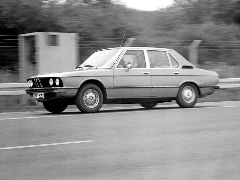 BMW 5 Series E12Sedan 520 5MT (1974–1976)