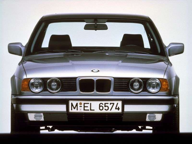 BMW 5 Series E34sedan 520i 4AT (1990–1991)