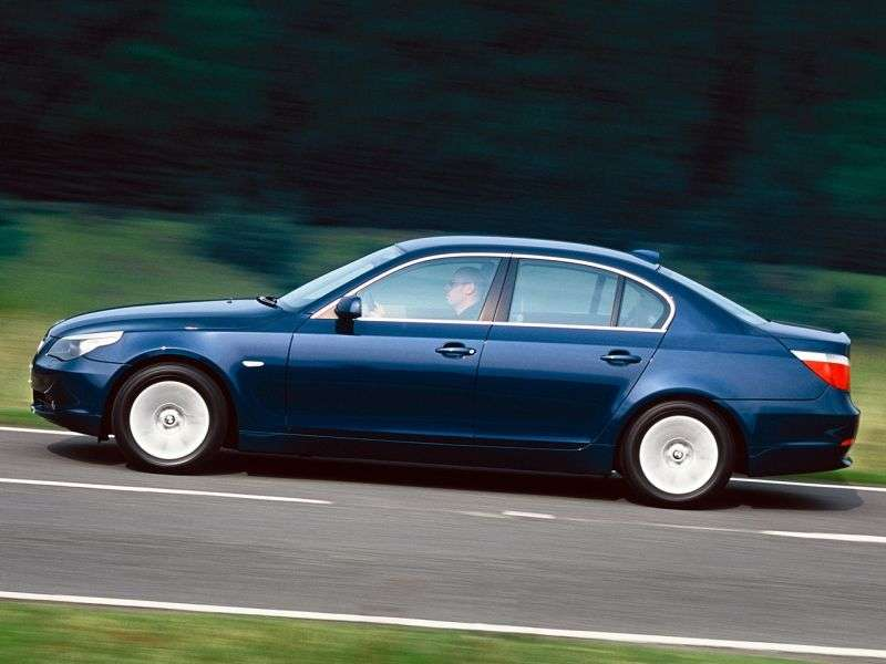 BMW 5 Series E60 / E61 sedan 545i AT (2004–2005)