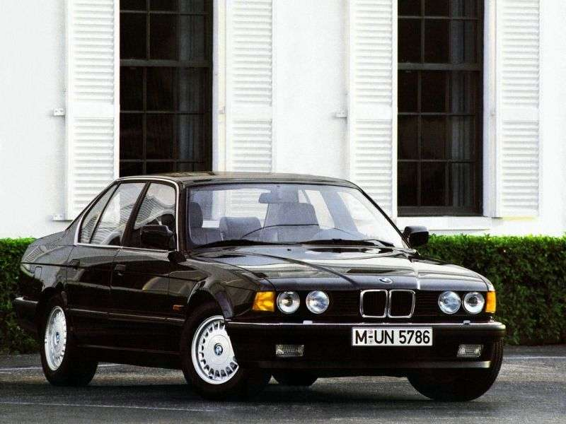 BMW 7 Series E32sedan 730i MT (1991–1994)