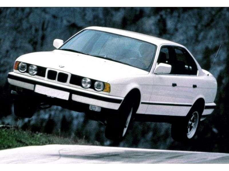 BMW 5 Series E34sedan 518i AT (1992–1994)