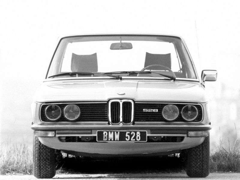 BMW 5 Series E12 [restyling] AT 528i Sedan (1977–1981)