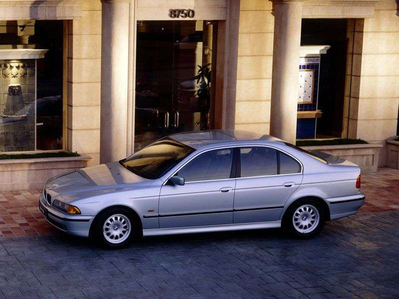 BMW 5 Series E39sedan 4 bit 523i MT (1995–1998)