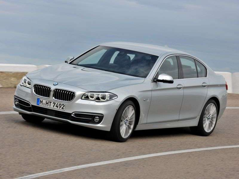 BMW 5 Series F10 / F11 [restyling] 530d AT Sedan (2013 – to.)