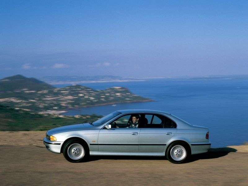 BMW 5 Series E39sedan 4 bit 530d MT (1998–2000)
