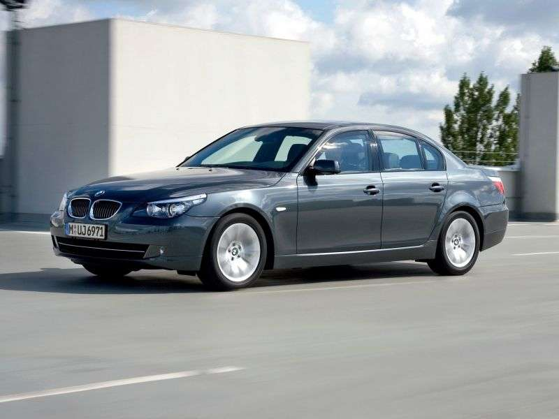 BMW 5 Series E60 / E61 [Restyling] 530d MT Sedan (2007–2010)