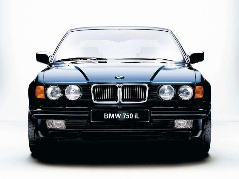 BMW 7 Series E32sedan 735i MT (1986–1989)