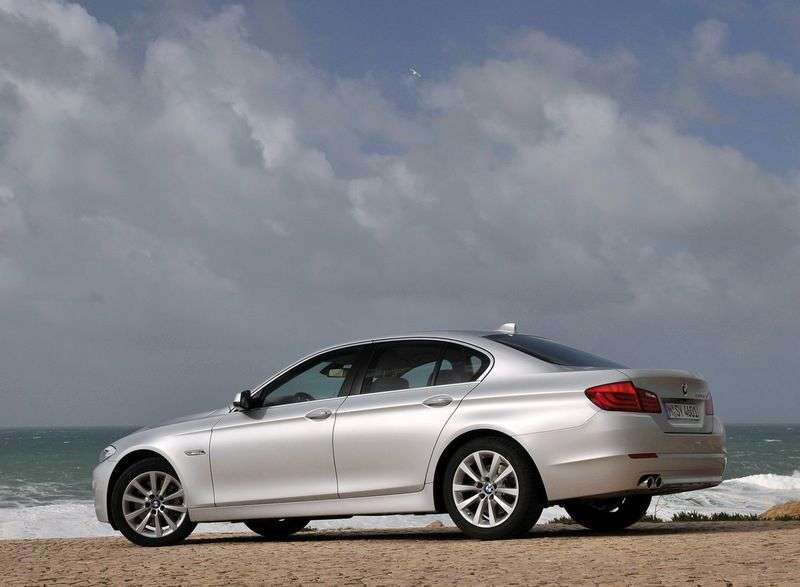 BMW 5 Series F10 / F11Sedan 523i MT EU (2010–2011)