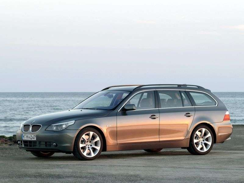 BMW 5 Series E60 / E61Touring Wagon 530xi MT (2005–2007)