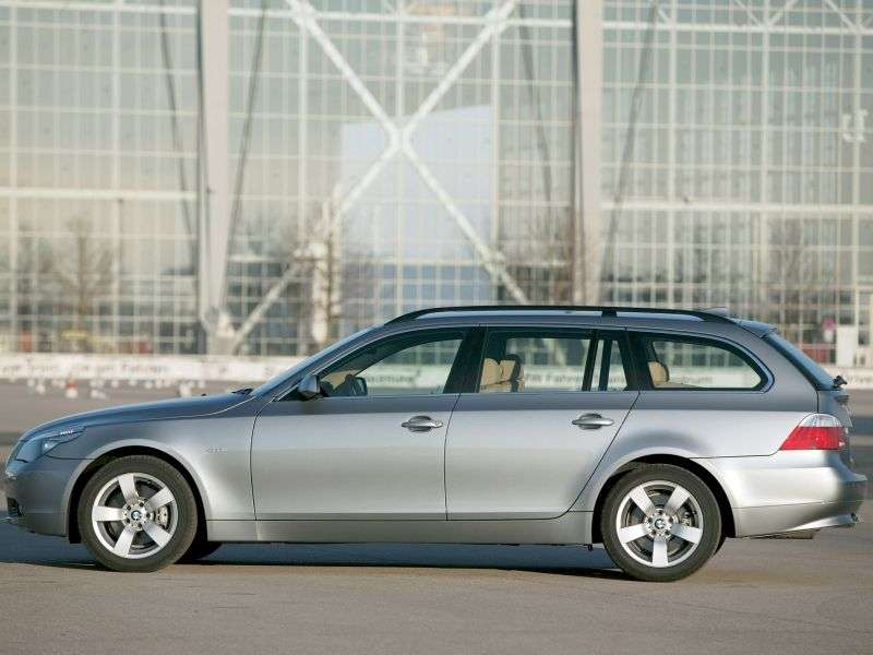 BMW 5 Series E60 / E61Touring Wagon 525xi MT (2005–2007)