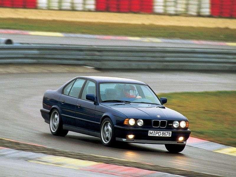 BMW M Series E34 5 Series 3.5 MT (1988–1992)