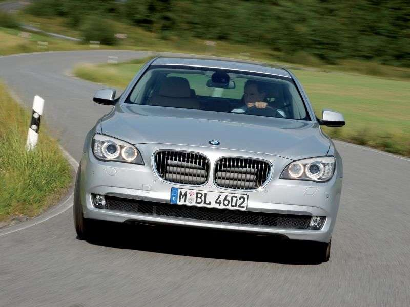 BMW 7 Series F01 / F02sandan 730i AT Basic (2008–2012)