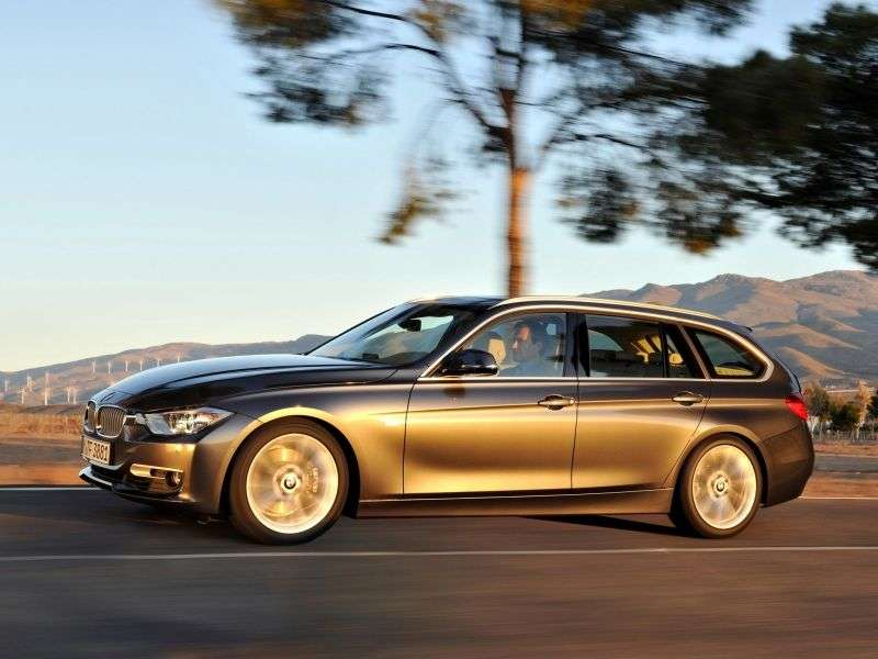 BMW 3 Series F30 / F31Touring Wagon 318d MT (2012 – n.)