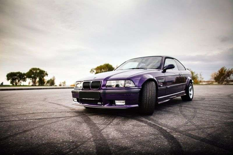 BMW M Series E36 3 Series Coupe 3.0 MT M3 R (1992–1995)