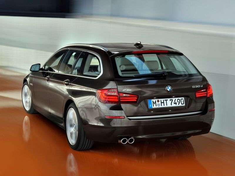 BMW 5 Series F10 / F11 [Restyled] Touring 535i xDrive AT Touring (2013 – n.)