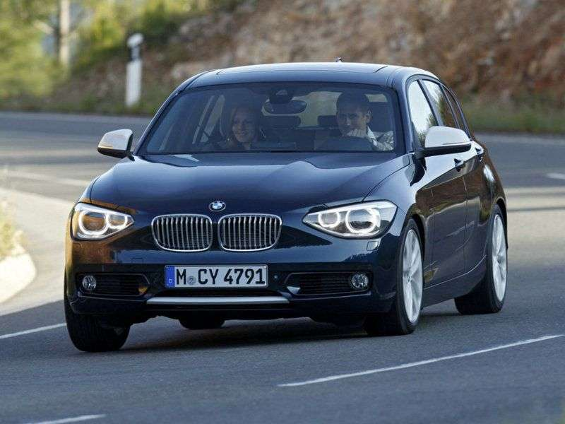 BMW 1 series F20 / F21htchbek 5 dv. 120d AT Basic (2011 – current century.)