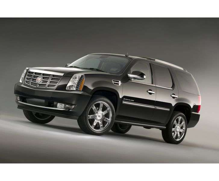 Cadillac Escalade 3rd generation SUV Vortec 6.2L V8 SFI Base (2011) (2007 – present)