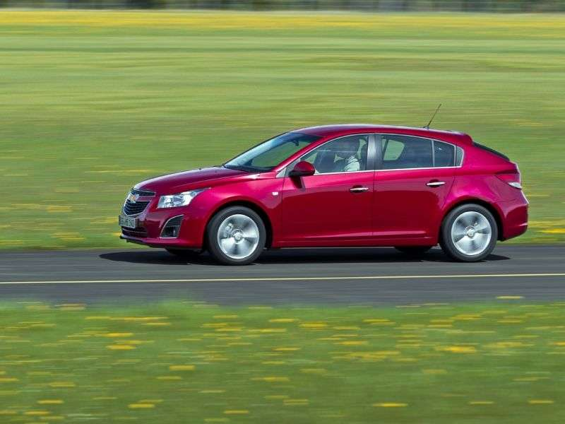 Chevrolet Cruze J300 [restyling] 5 bit hatchback 1.8 MT LT (2012 – n. In.)