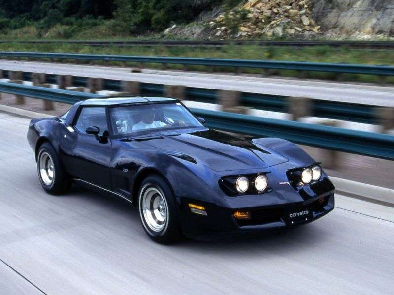 Chevrolet Corvette C3 [4th restyling] targa 5.7 4MT (1980–1982)