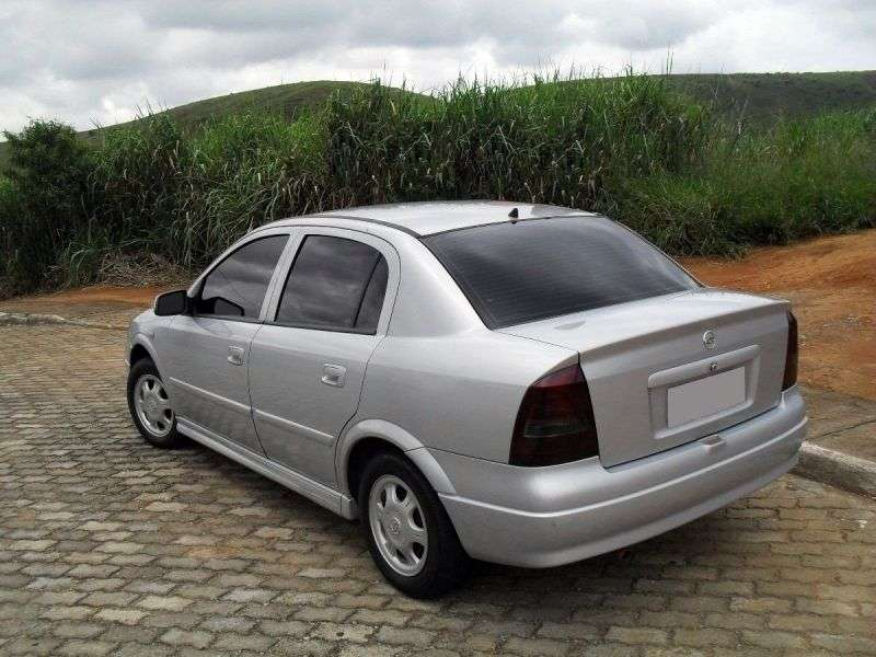 Chevrolet Astra 2nd generation sedan 2.0 AT (2003–2003)