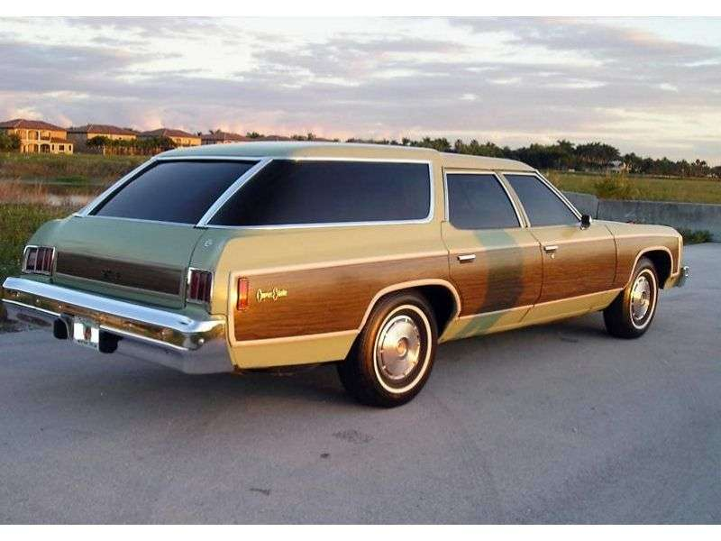 Chevrolet Caprice 2nd generation [4th restyling] Kingswood Estate Wagon 7.44 Turbo Hydra Matic 3 seat (1975–1975)