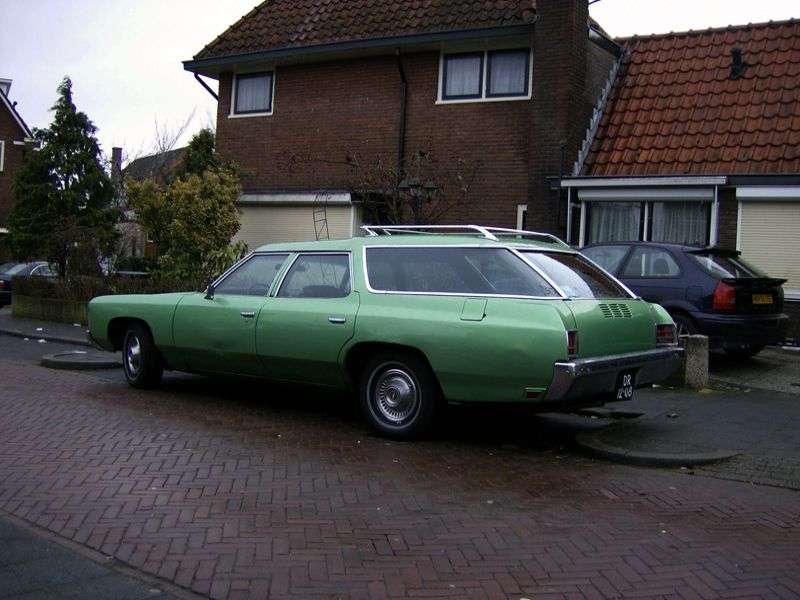 Chevrolet Caprice 2nd generation Kingswood Estate wagon 7.44 Turbo Hydra Matic 2 seat (1971–1971)