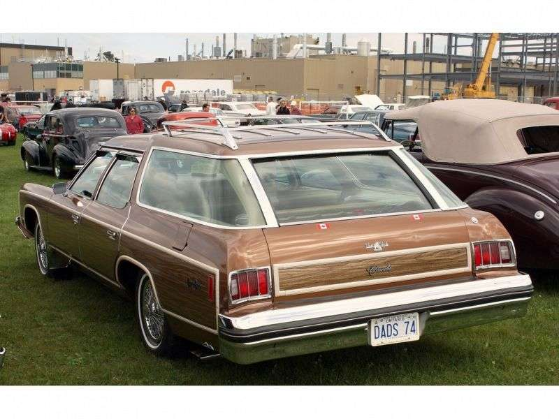 Chevrolet Caprice 2nd generation [3rd restyling] Kingswood Estate 6.6 Turbo Hydra Matic 3 seat station wagon (1974–1974)