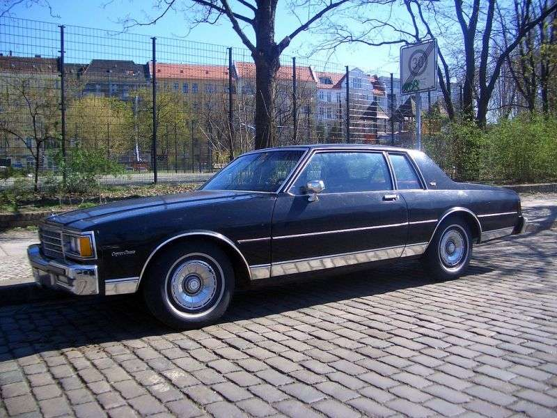 Chevrolet Caprice 3rd generation [restyling] coupe 4.4 4AT (1982–1983)