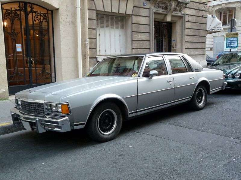 Chevrolet Caprice 3rd generation [restyling] sedan 4.4 4AT (1982–1983)