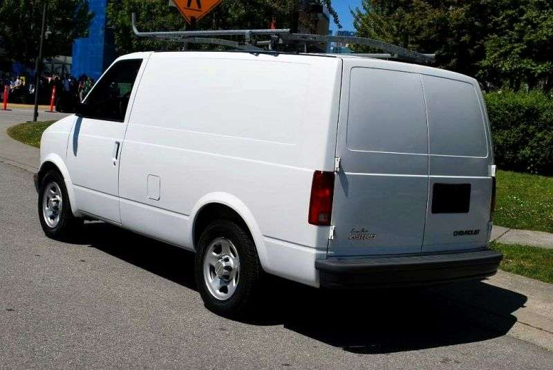 Chevrolet Astro 2nd generation van 4.3 AT AWD (2003–2005)