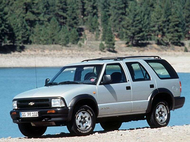Chevrolet Blazer 4th generation SUV 4.3 MT AWD (1995–1997)