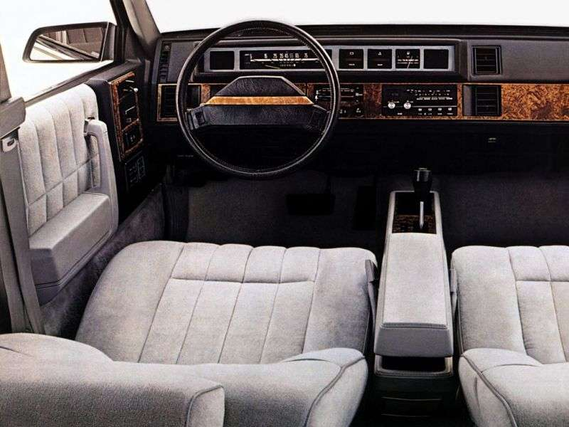 Chevrolet Celebrity 1st generation sedan 4.3 D Turbo Hydra Matic Overdrive (1982–1983)