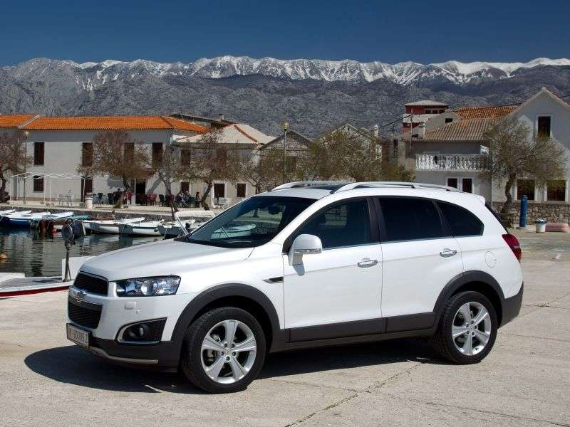 Chevrolet Captiva 1st generation [2nd restyling] crossover 3.0 AT AWD (5 seats) LTZ (2013 – v.)