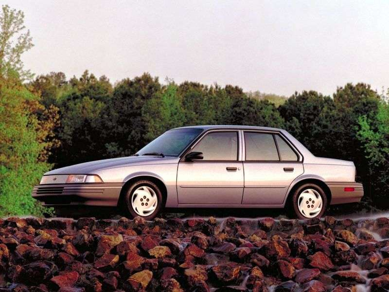 Chevrolet Cavalier 2nd generation [restyling] 2.2 MT sedan (1990–1991)