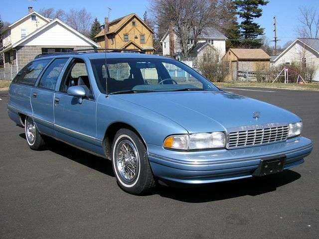 Chevrolet Caprice 4th generation wagon 5.0 AT (1991–1993)