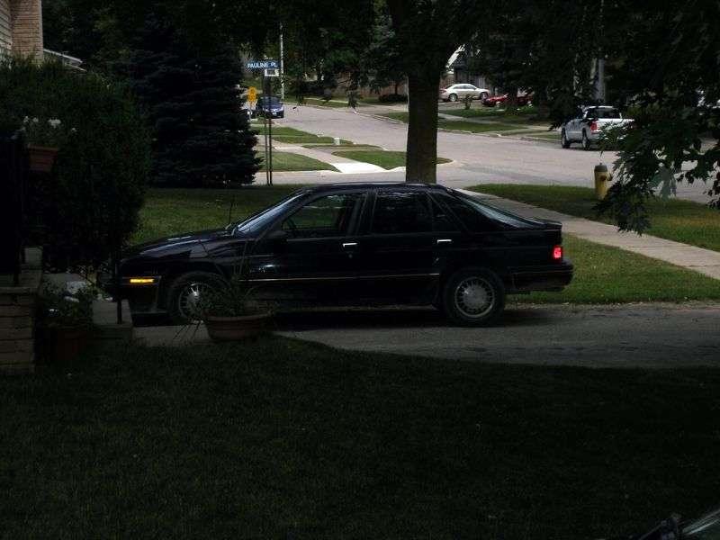 Chevrolet Corsica 1st generation hatchback 3.1 MT (1991–1991)