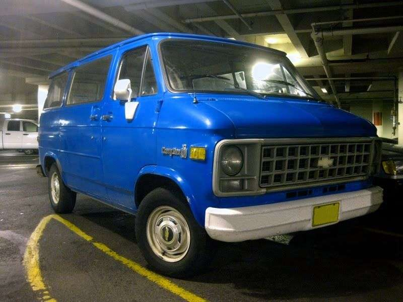 Chevrolet Chevy Van 3rd generation [2nd restyling] Sportvan minivan 5.0 AT G10 (1980–1982)