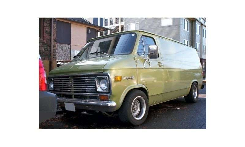 Chevrolet Chevy Van 3rd generation [restyling] van 5.0 Turbo Hydra matic G10 (1973–1973)
