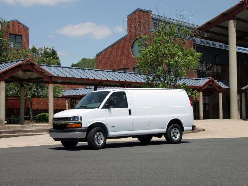 Chevrolet Express 1st generation [restyled] van 5.3 AT 1500 (2003–2007)