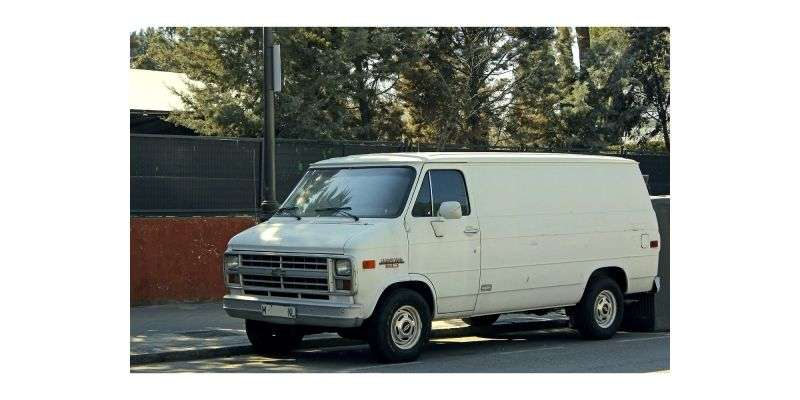 Chevrolet Chevy Van 3rd generation [3rd restyling] van 4.3 AT Overdrive G20 LWB (1986–1991)