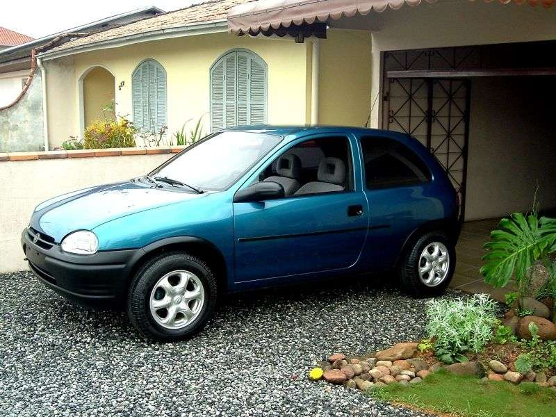 Chevrolet Corsa 1st generation hatchback 3 dv. 1.7 D MT (1999–2002)