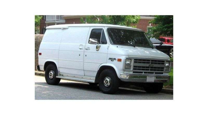 Chevrolet Chevy Van 3rd generation [3rd restyling] van 4.3 AT G10 LWB (1986–1989)