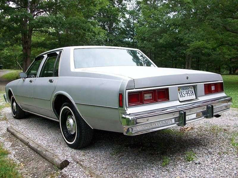 Chevrolet Impala 6th generation [4th restyling] sedan 4.4 AT Overdrive (1982–1982)