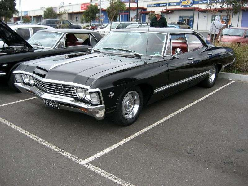 Chevrolet Impala 4th generation [2nd restyling] hardtop 4.6 3MT (1967–1967)