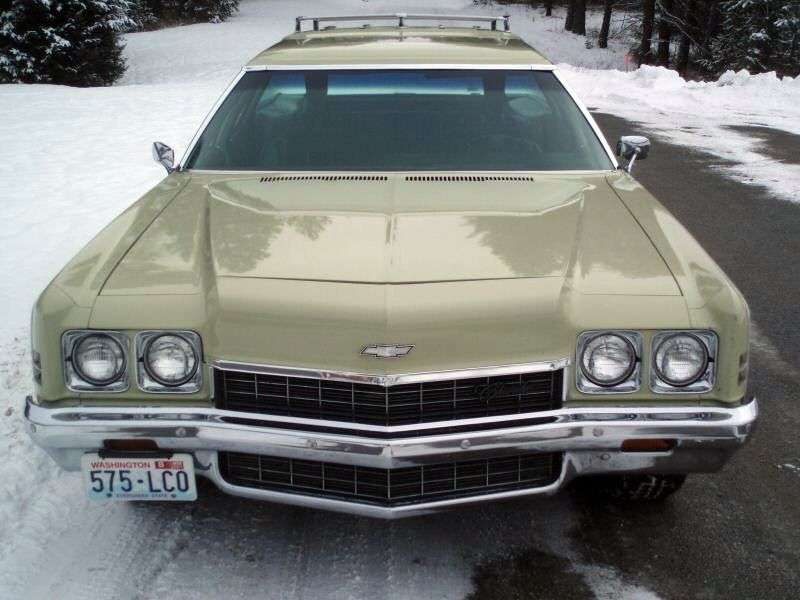 Chevrolet Impala 5th generation [restyling] Kingswood wagon 7.4 Turbo Hydra Matic 3 seat (1972–1972)