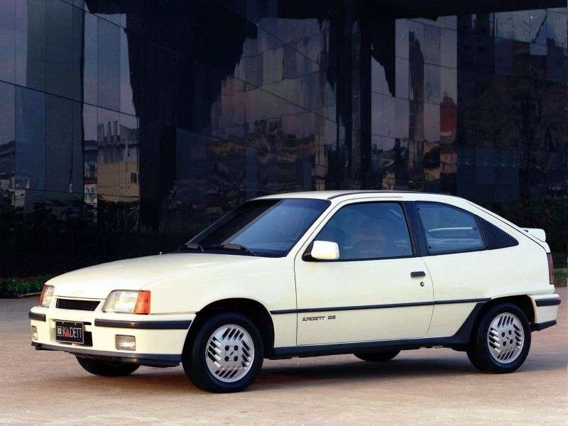 Chevrolet Kadett 1st generation hatchback 3 dv. 1.8 Flexfuel MT (1992–1994)